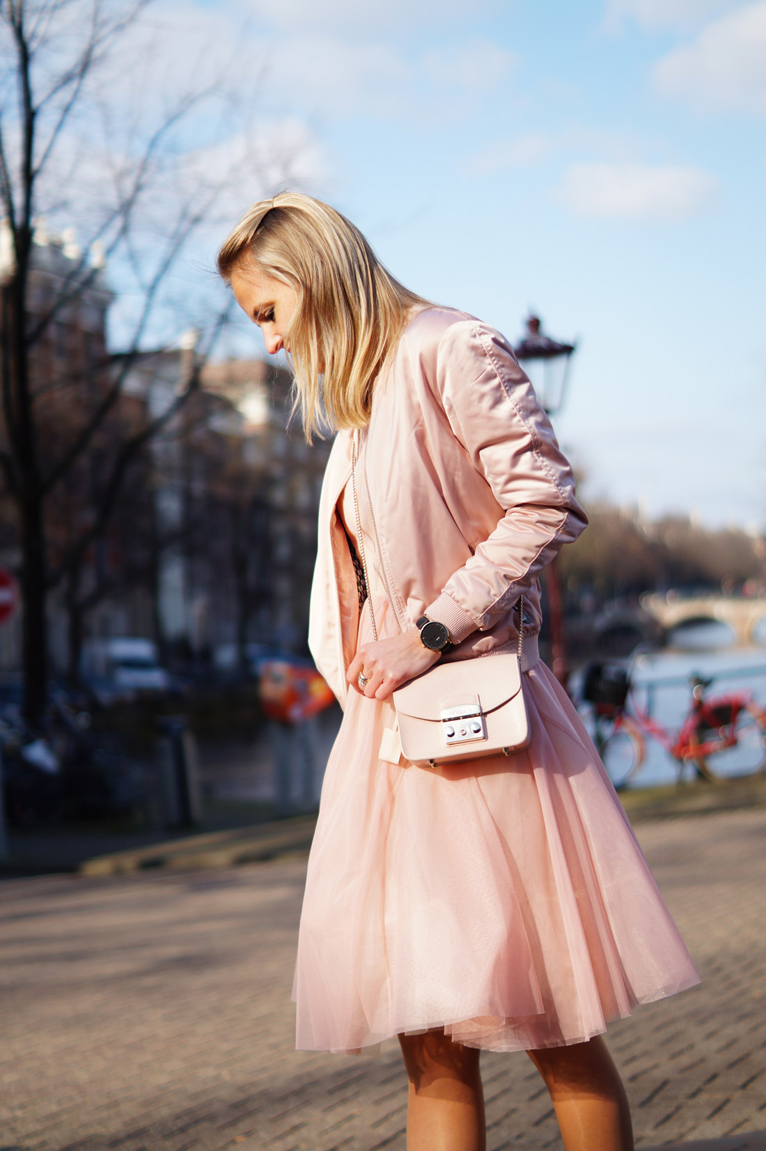 Bag-at-You---Fashion-blog---Furla-Shoulder-Bag---Pink-ress---Amsterdam