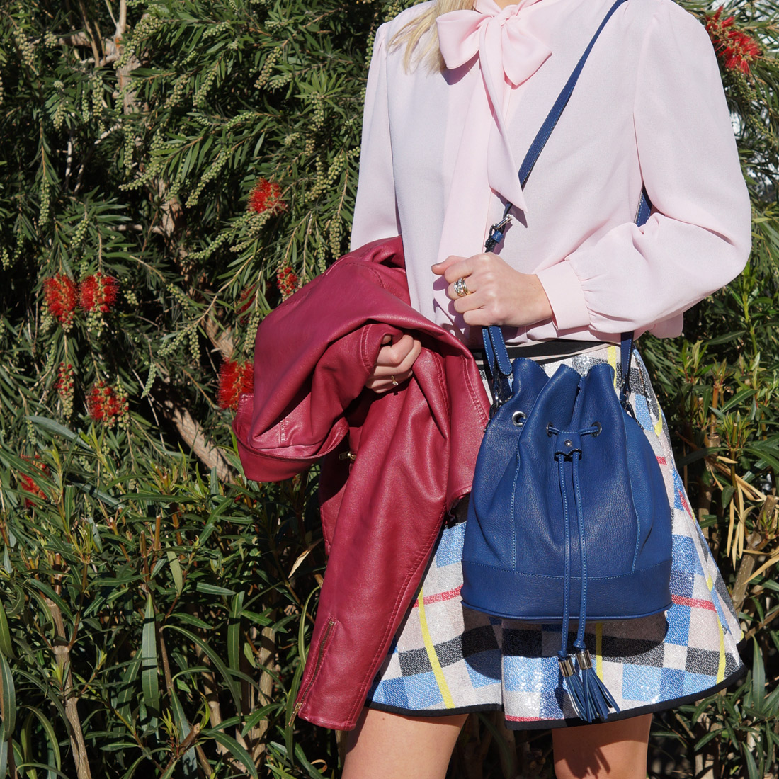 Bag-at-you---Fashion-blog---Blue-bucket-bag---Spring-outfit