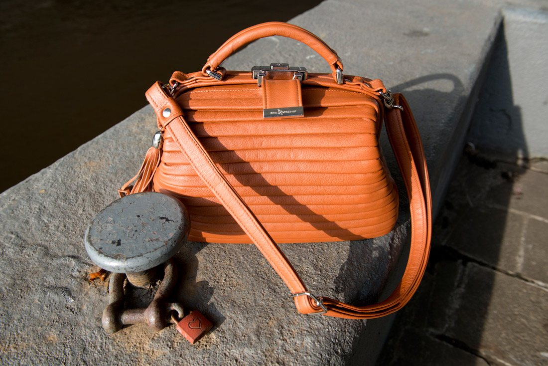 Bag-at-you---Fashion-blog---Mrs-Rosehip-Pleated-Gladstone-Camel---Leather
