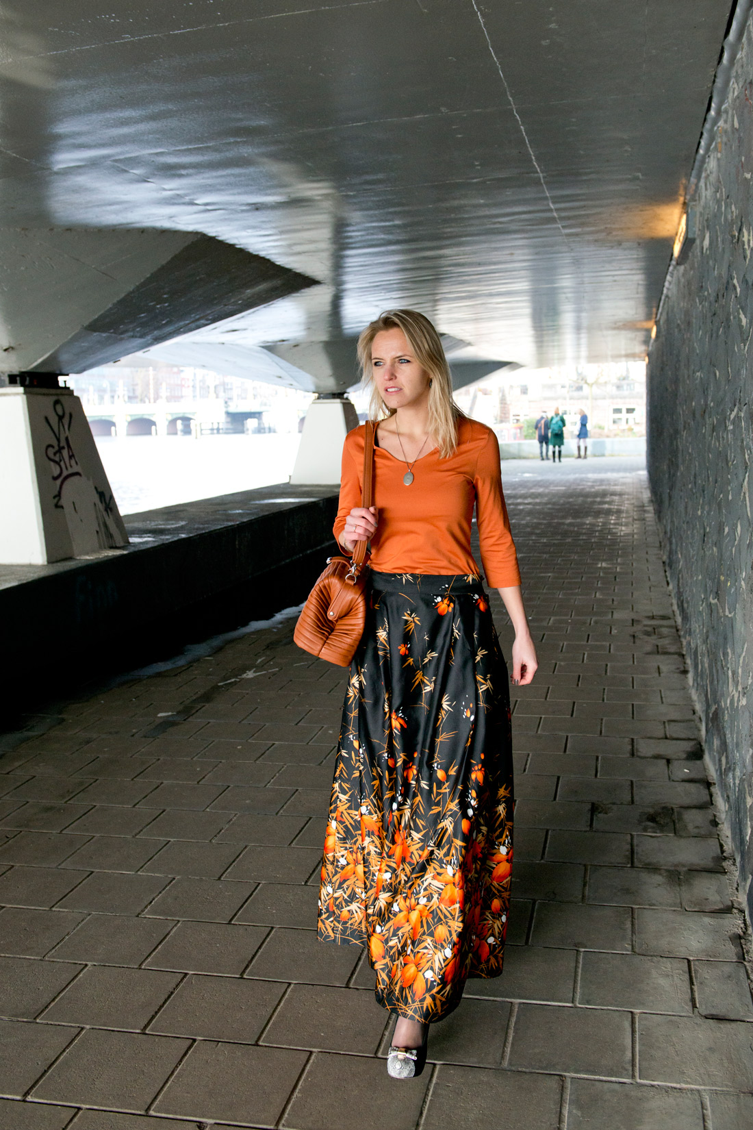 Bag-at-you---Fashion-blog---Mrs-Rosehip-bags---orange-skirt