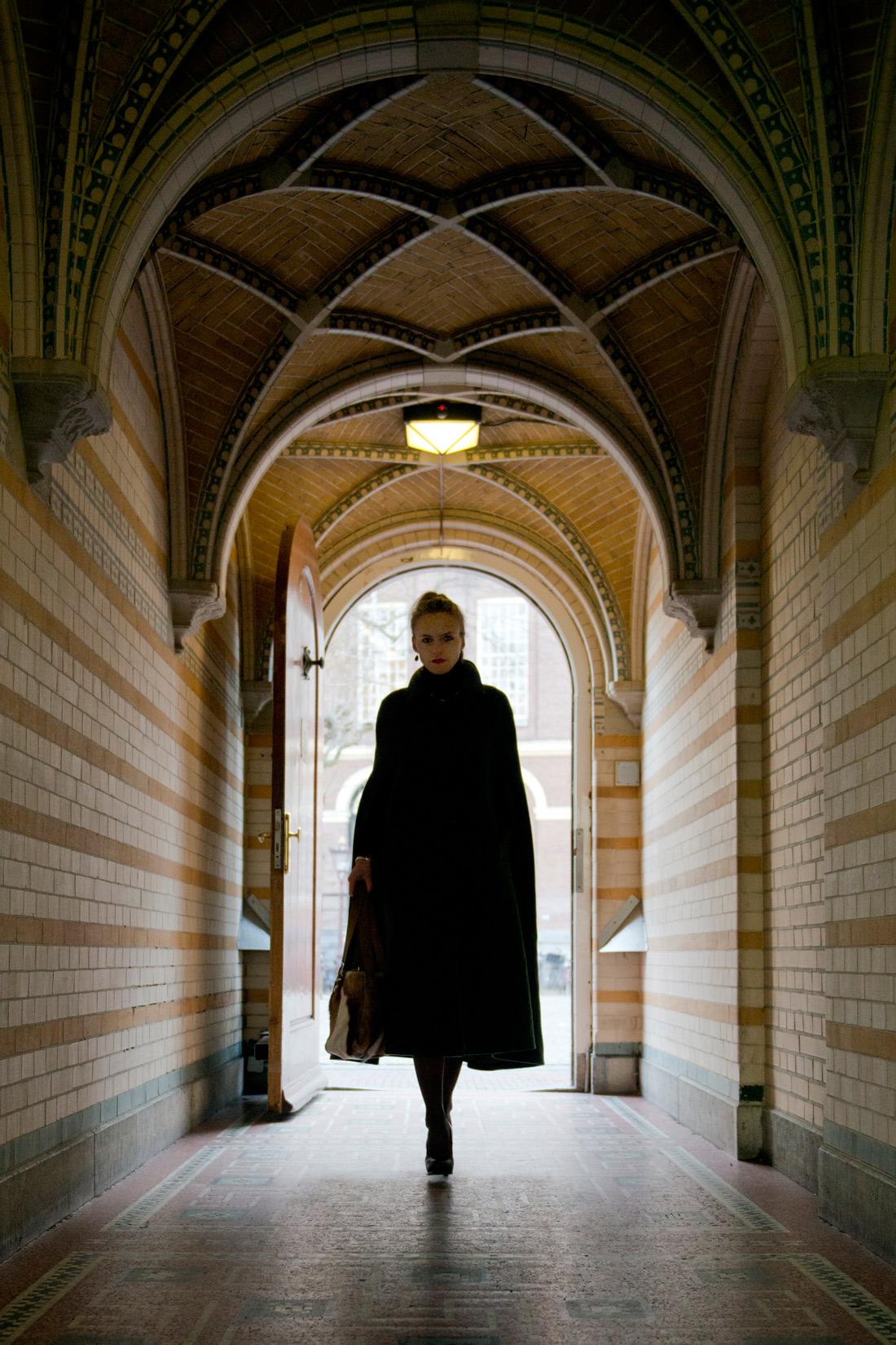 Bag-at-you---Fashion-blog---Timeless-elegance---Mantle---streetstyle-Amsterdam