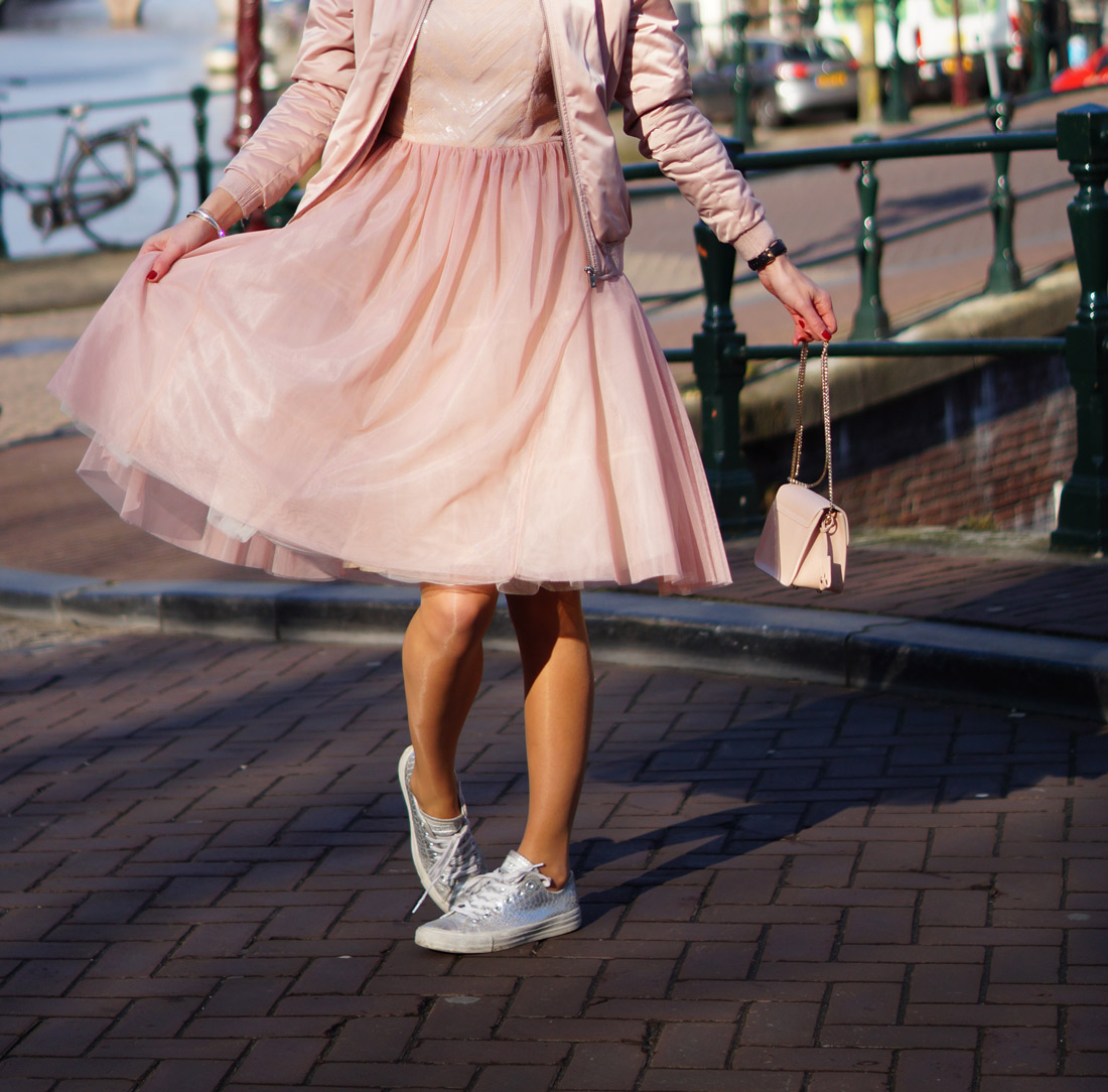 Bag-at-You---Fashion-blog---Furla-Metropolis-Bag---Pink-dress-Amsterdam