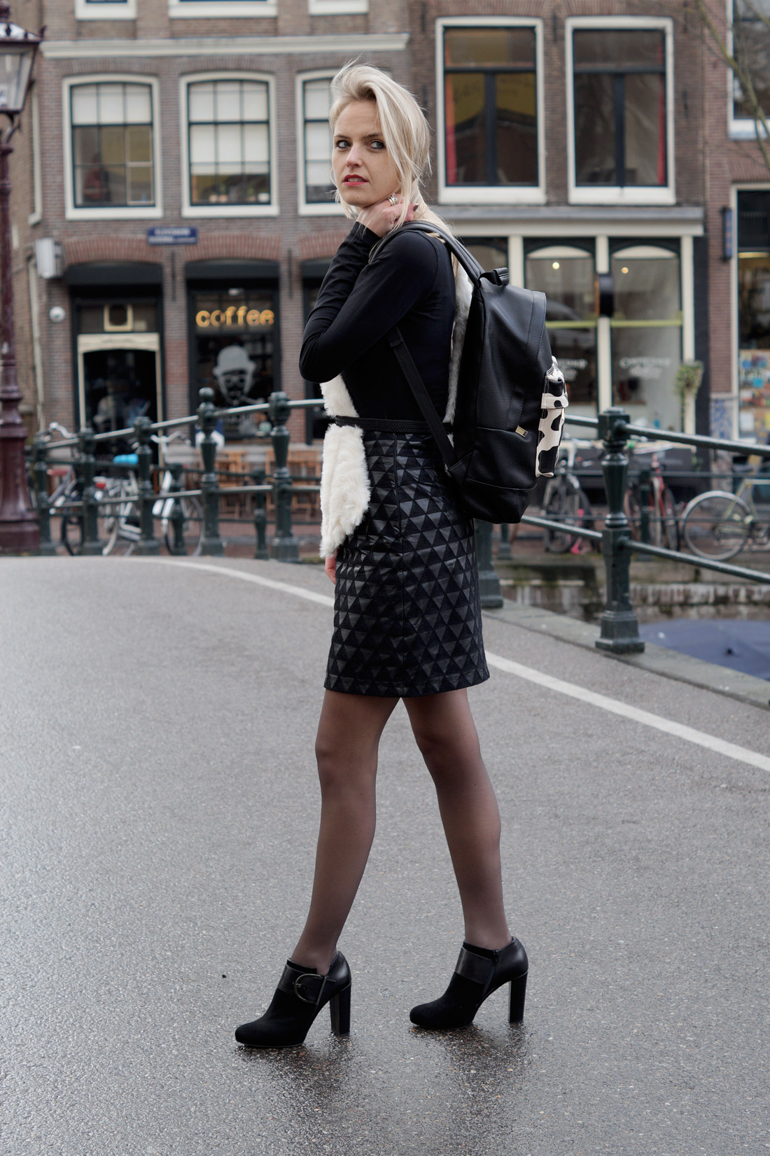 Bag-at-You---Fashion-blog---Street-Style---Black-outfit---Amsterdam