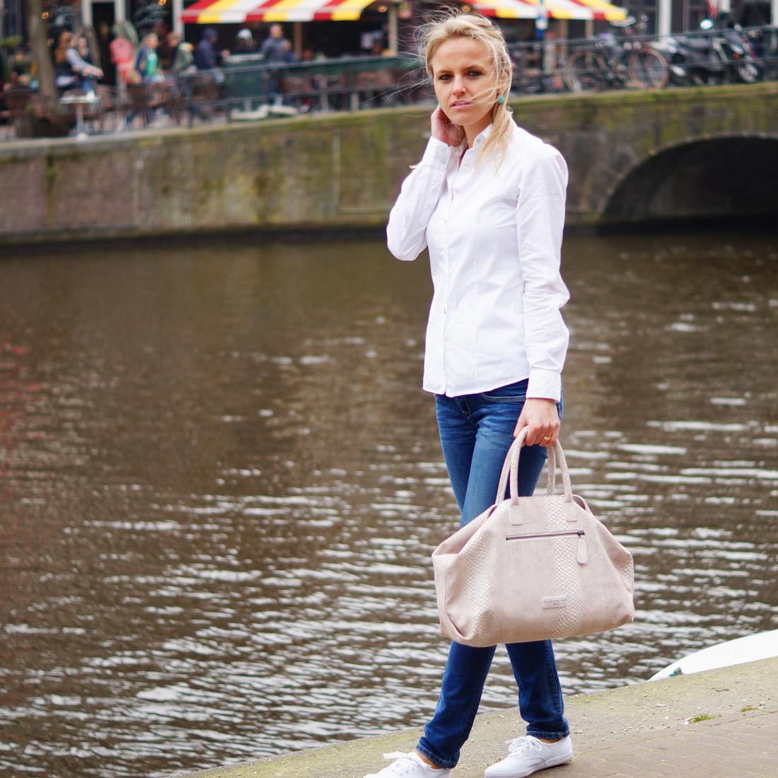 bag at you fashion blog liebeskind berlin maxime handbag streetstyle amsterdam bag at you. Black Bedroom Furniture Sets. Home Design Ideas
