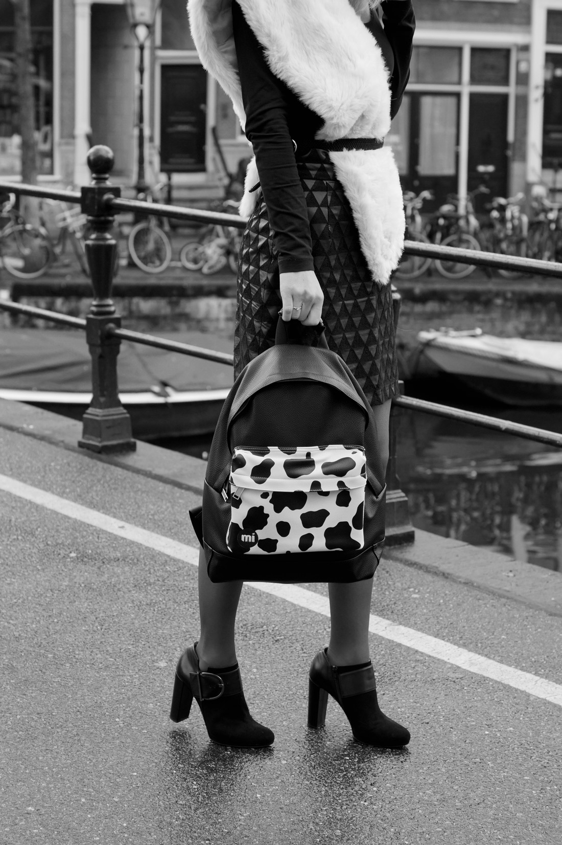 Bag-at-you---Fashion-blog---Mi-Pac-Cow-Backpack---Baglover