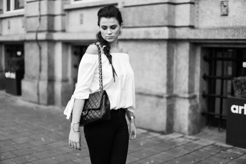 Bag-at-you---Fashion-blog---The-Bag-of-Daphisticated---Off-the-shoulder-top