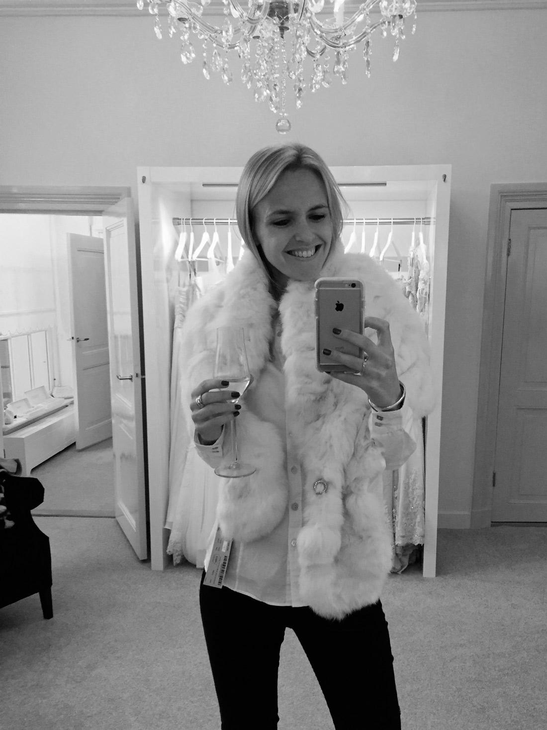 Bag-at-you---Wedding-inspiration---La-Bella-Blanca---Winter-fur