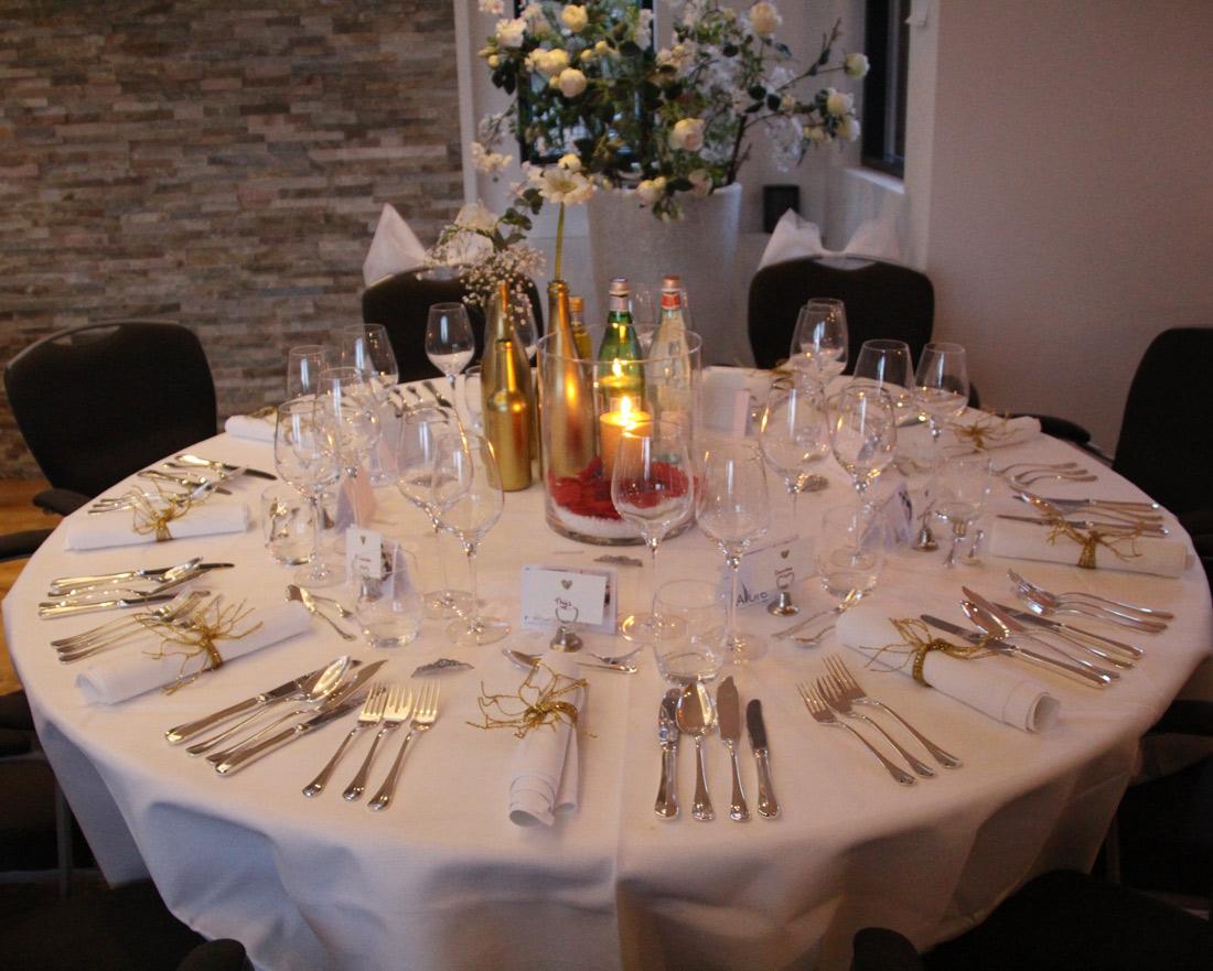 Pre-wedding-dinner---set-table-inspiration