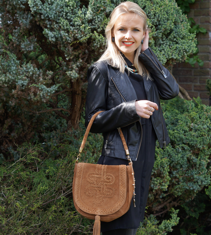 Bag-at-you---Fashion-blog---Anokhi-Bag---black-leather-jacket