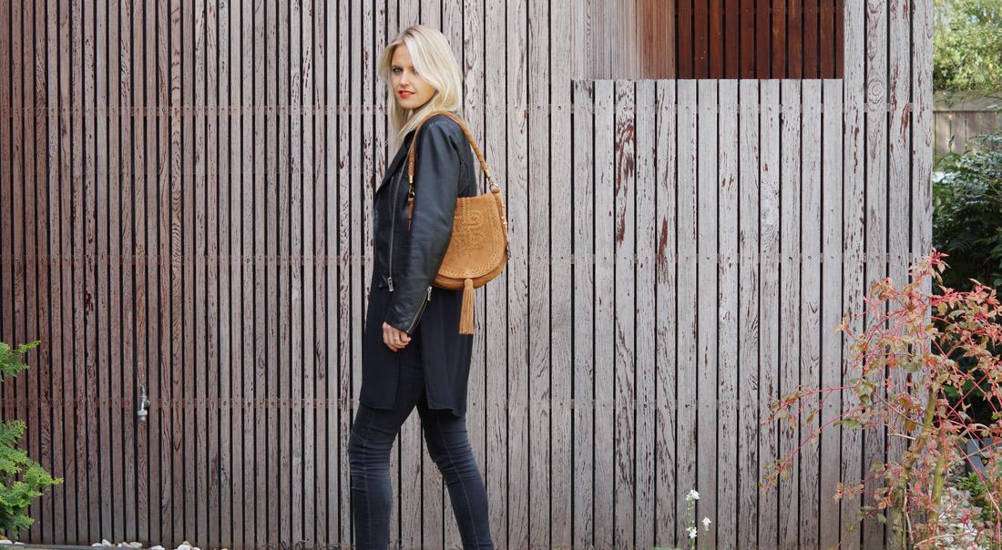 Bag-at-you---Fashion-blog---Anokhi-shoulder-Bag---Van-den-Assem