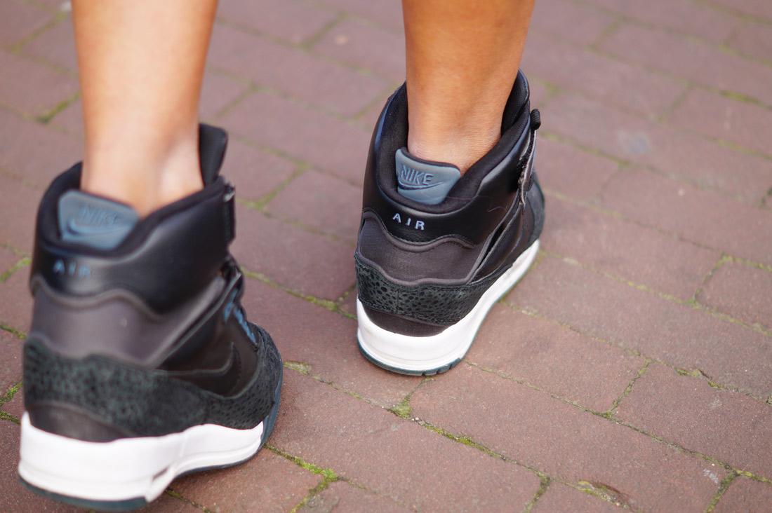 Bag-at-you---Fashion-blog---Nikes-shoes-Fabluxurycurves