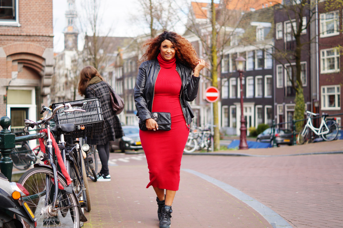 Bag-at-you---Fashion-blog---Red-dress-Fabluxurycurves