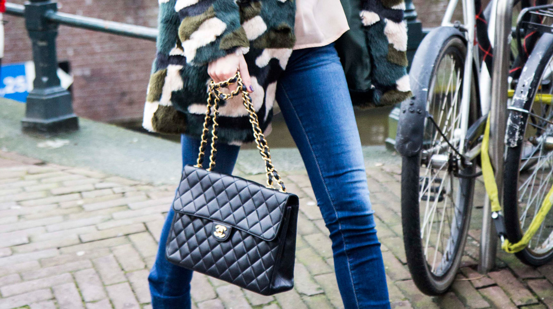 e35c6e83e9abb1 8 ways to style your Chanel flap bag! - Bag at You