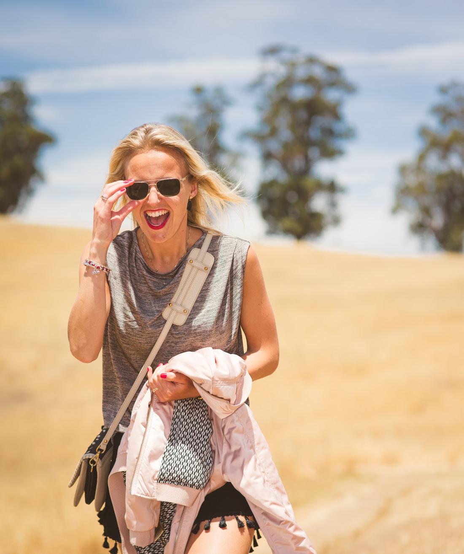 Bag-at-you---HM-shorts-pompoms---California-Blogger