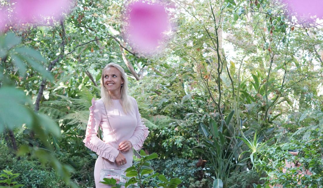 Bag-at-you---Fashion-blog---Blush-pink-maxi-dress---Transparant-bag