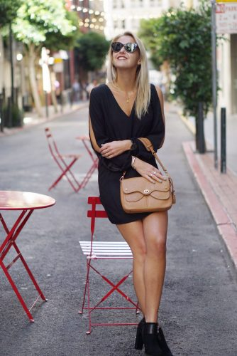bag-at-you-fashion-blog-classic-look-in-black-dress