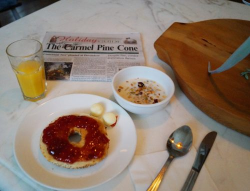 bag-at-you-breakfast-at-the-hotel-carmel