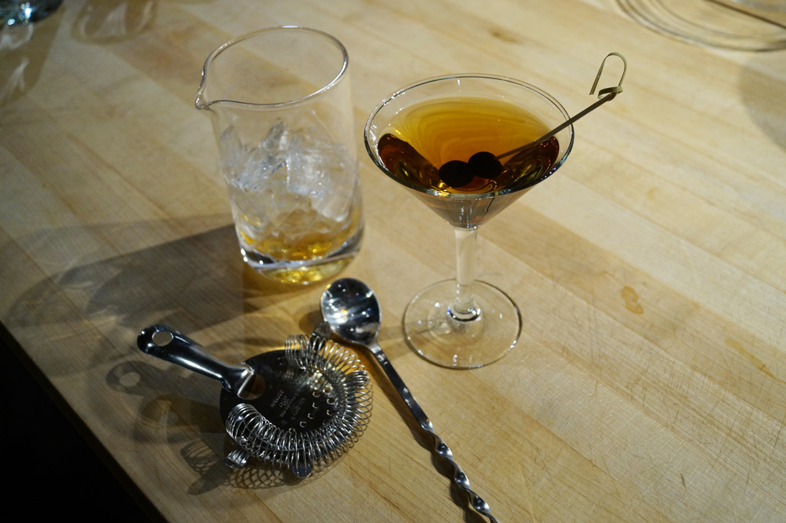 bag-at-you-lifestyle-blog-how-to-make-the-perfect-manhattan-cocktail