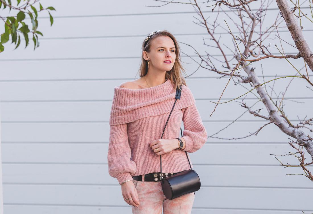 Bag-at-you---Fashion-blog---Black-Cylinder-bag