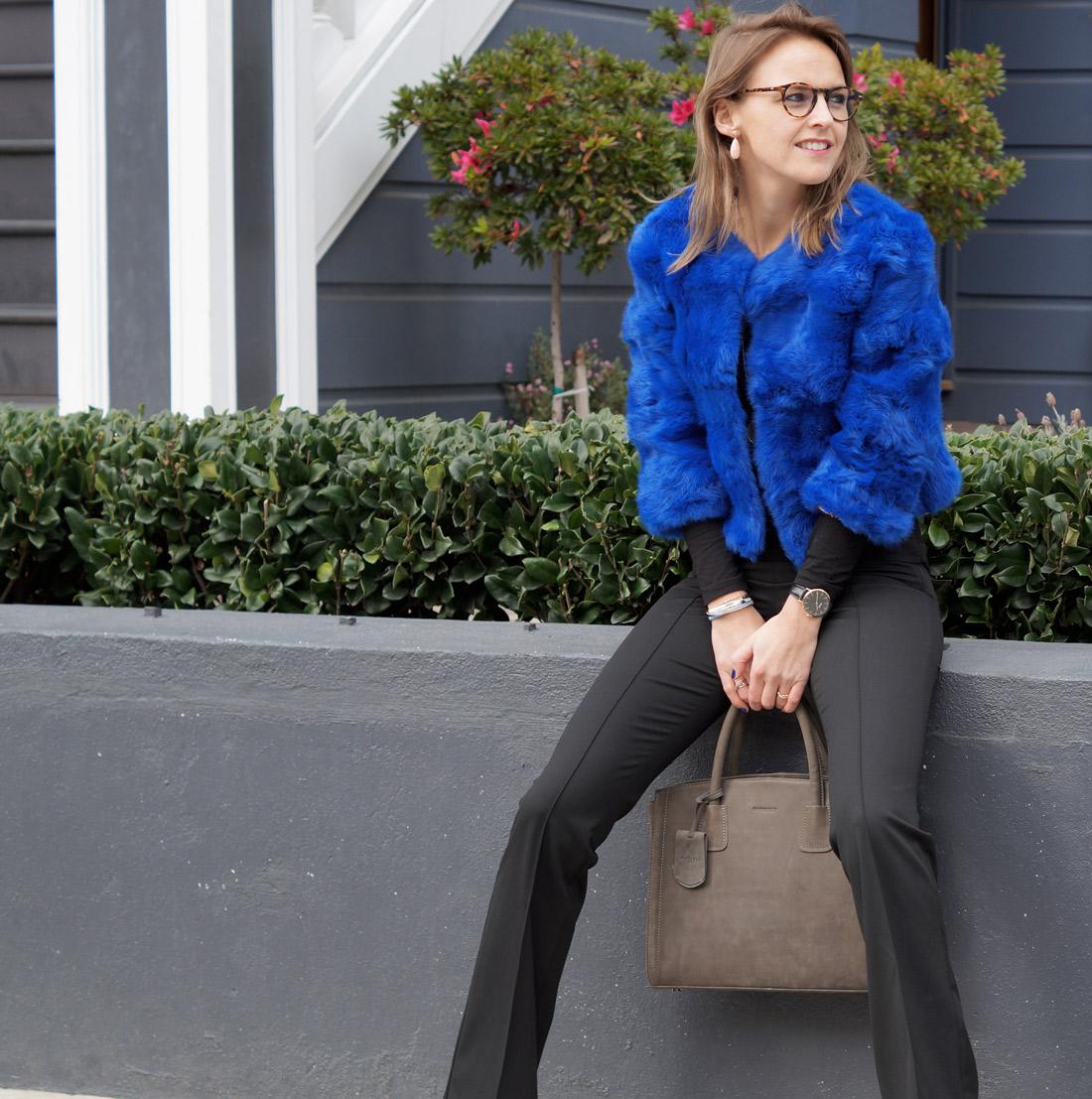 bag-at-you-fashion-blog-dezzal-fur-coat
