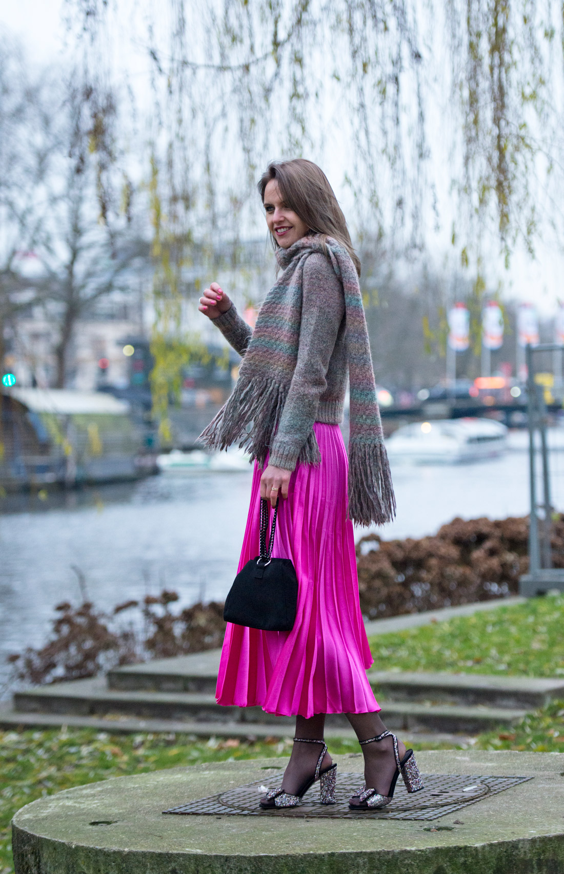 Bag-at-you---Fashion-blog---Pink-skirt-for-winter