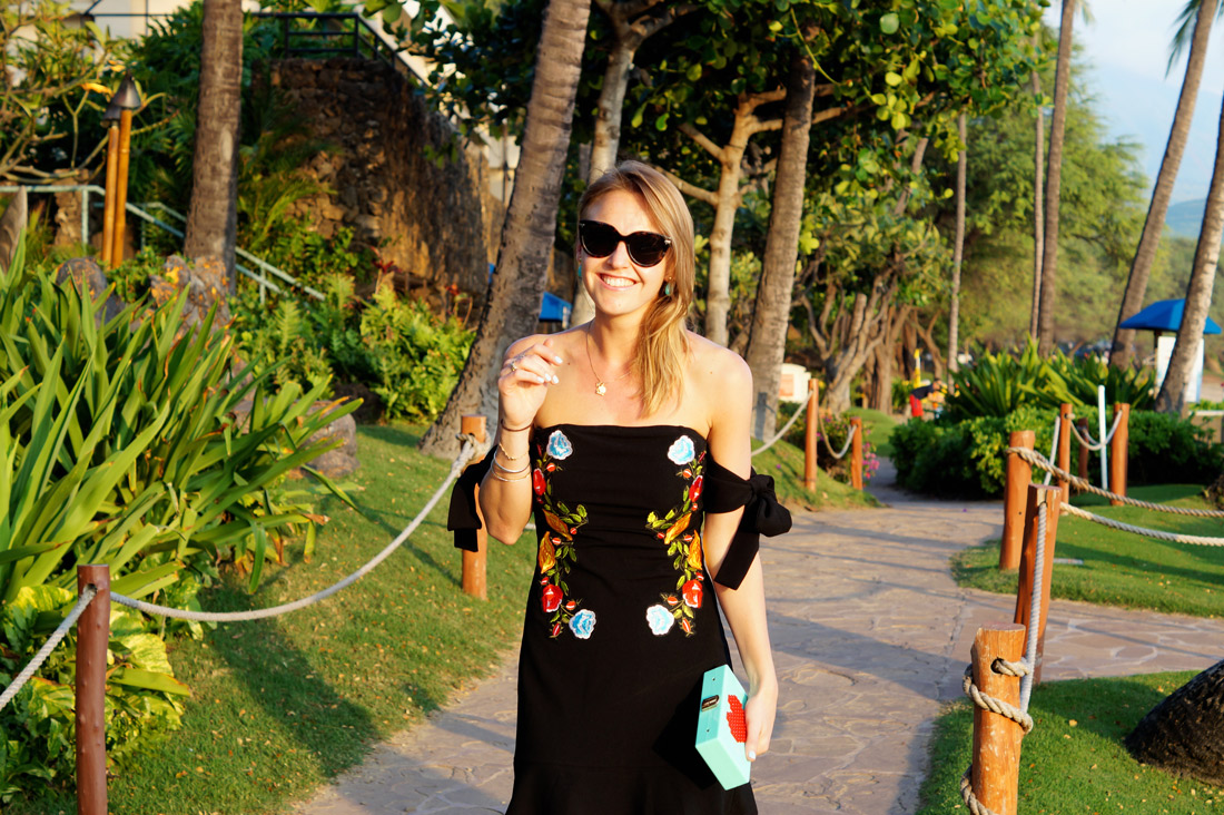 Bag-at-you---Fashion-blog---Embroidered-dress-by-Shein