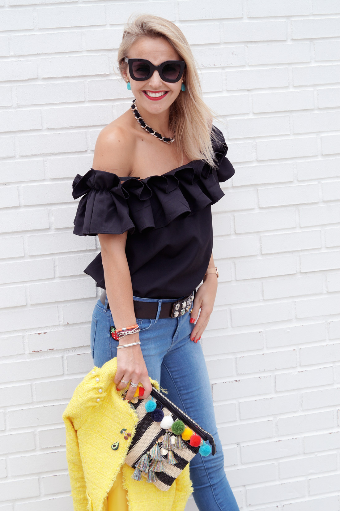 Back-at-you---Style-blog---Black-ruffles-top