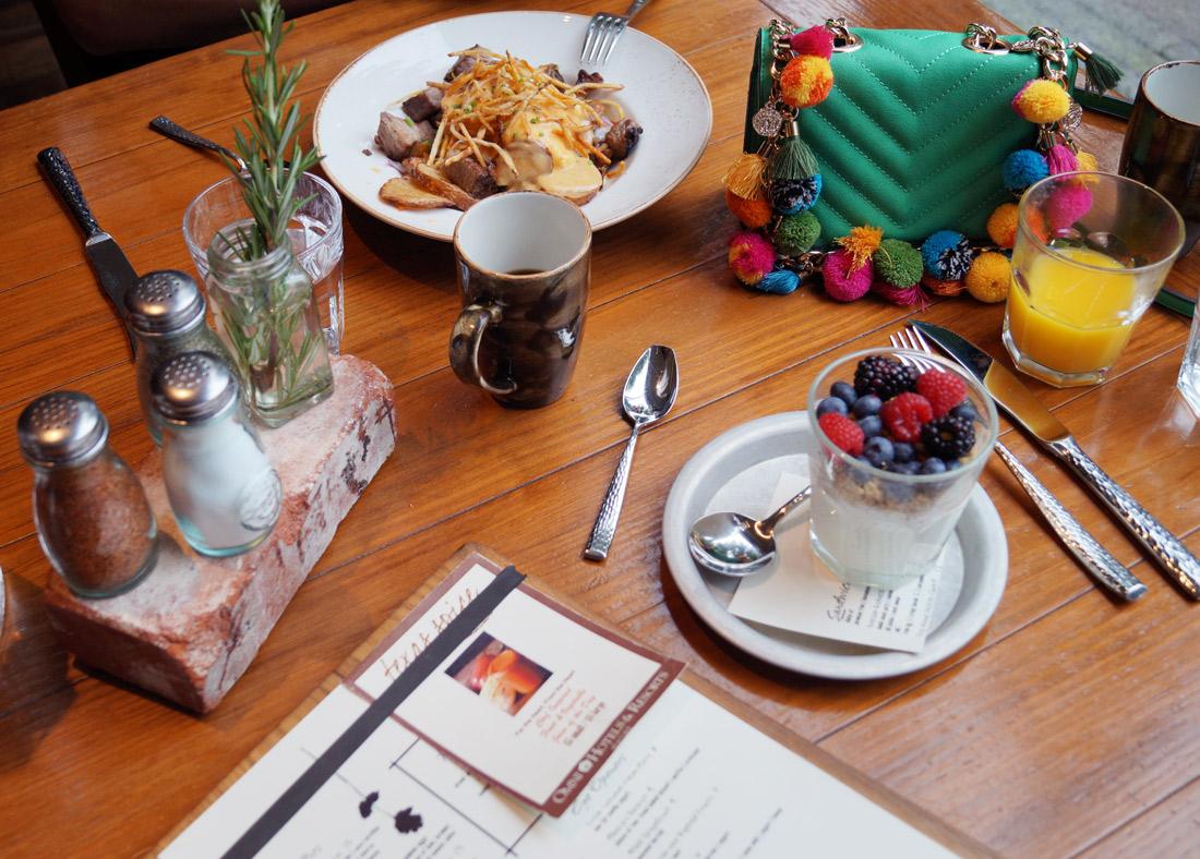 Omni-Dallas-Hotel---Breakfast-at-Texas-Spice---2