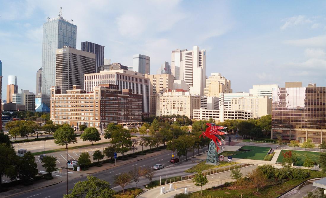 Omni-Dallas-Hotel---View-from-pool