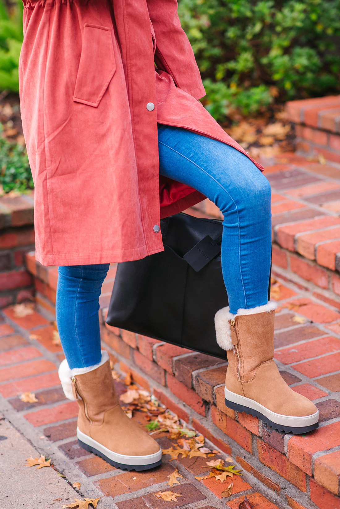 bag-at-you---style-blog---Cougar-boots