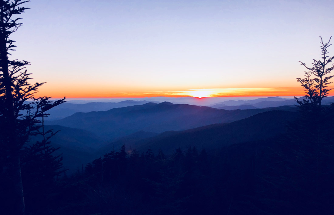 Bag-at-you---Travel-blog---Sunset-Blue-Ridge-Mountains