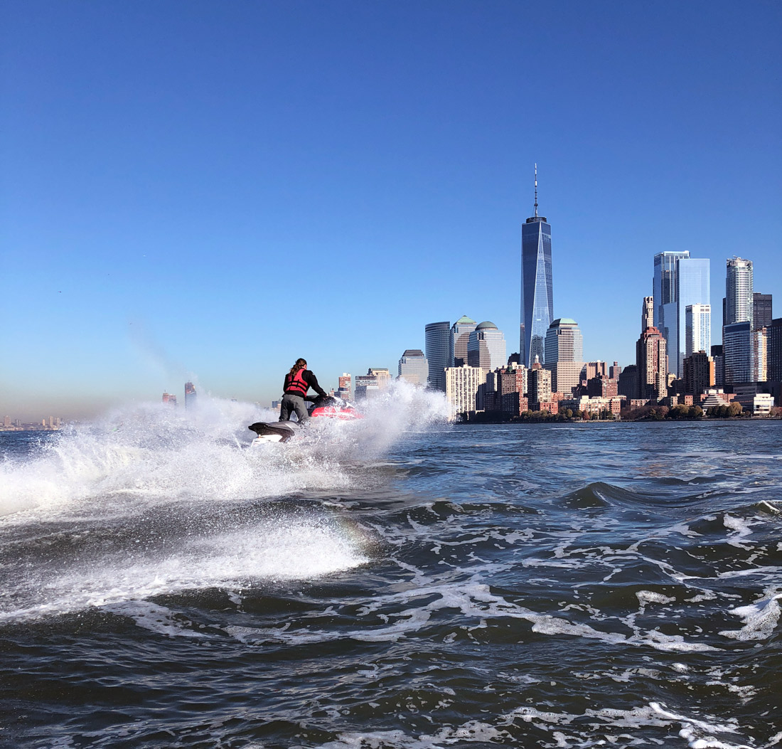Bag-at-you---Sea-the-city-New-York-jet-ski