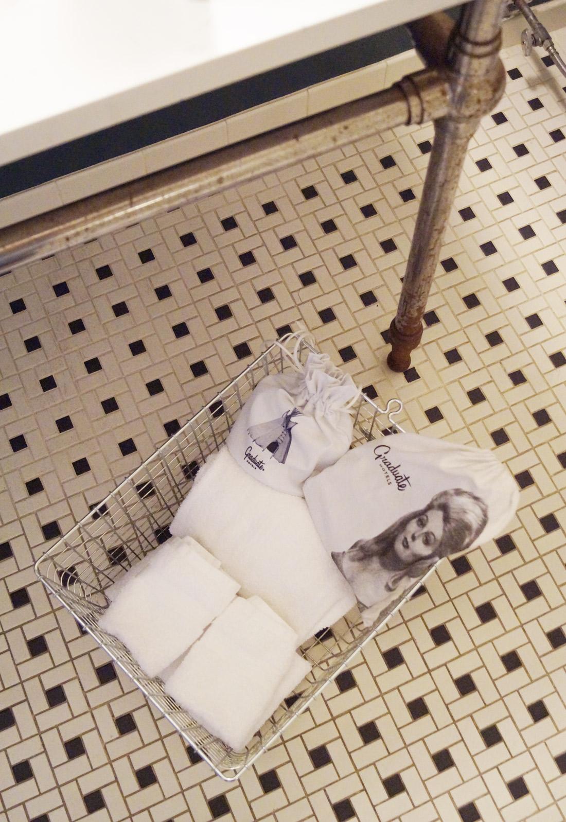 Bag-at-you---Travel-blog---Graduate-Hotels-Bathroom