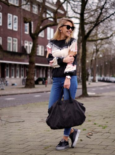Bag-at-you---Fashion-blog---Sequins-sweater