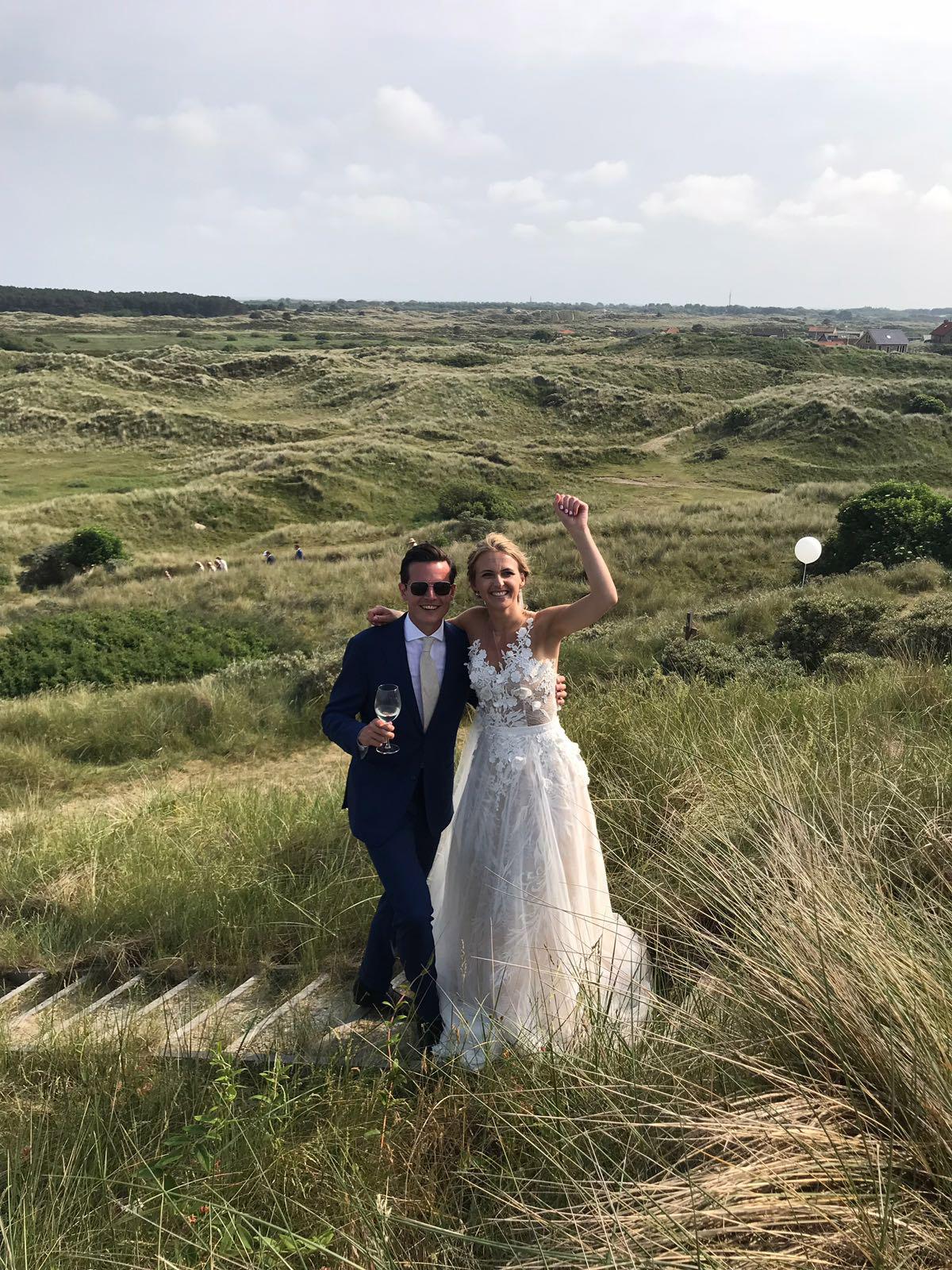 Bag-at-you---La-bella-blanca-wedding-dress
