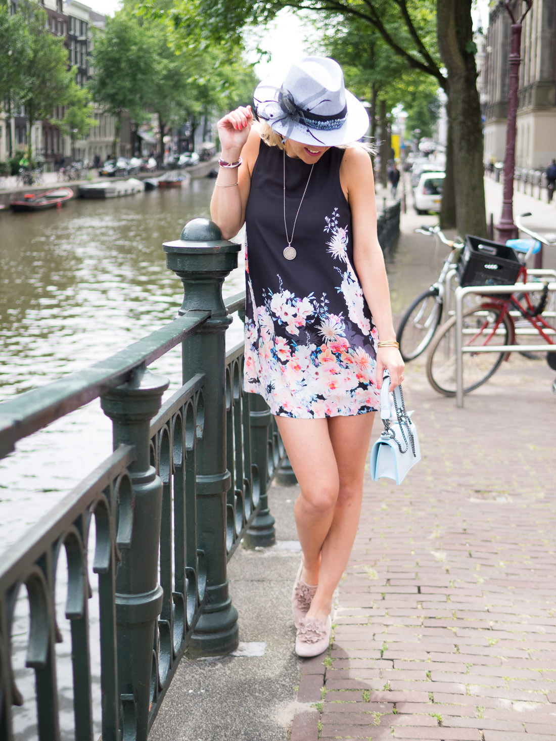 Bag-at-you---Style-blog---Hat-girl