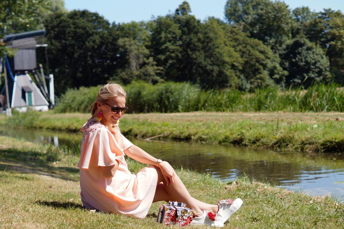 Bag-at-you---fashion-bog---SHEIN-Floral-Lace-Yoke-Flutter-Sleeve-Dress